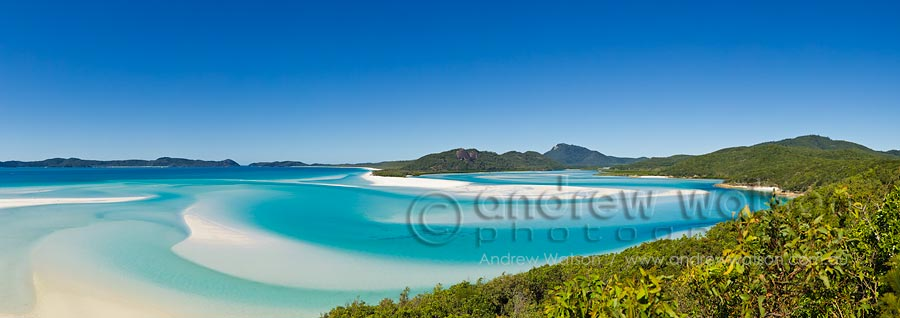 View across white sands and turquoise waters of Hill Inlet on Whitsunday Island