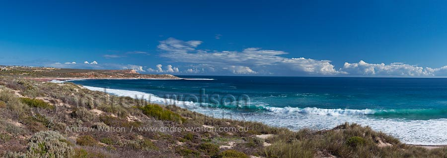 View along Kalbarri coastal cliffs