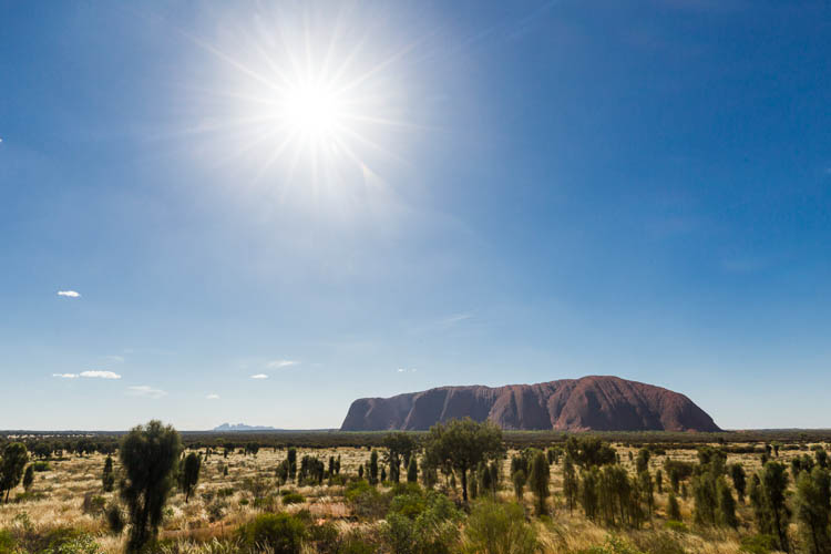 Image of Uluru and Kata Tjuta in the Australian outback